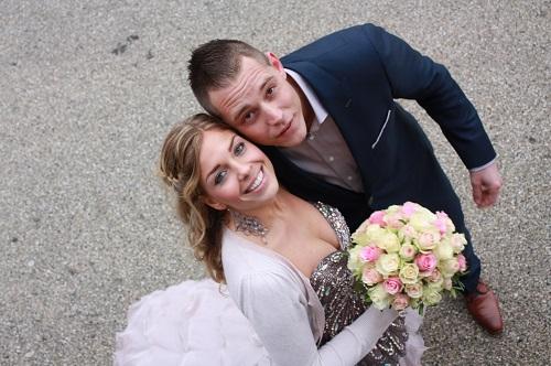 Een maatpak als trouwpak. Ook op deze bruiloft werd er weer gekozen voor Tillemans Tailors. Kortom een goed huwelijk begint bij Tillemans Tailors Grote Oost 27 te Hoorn.