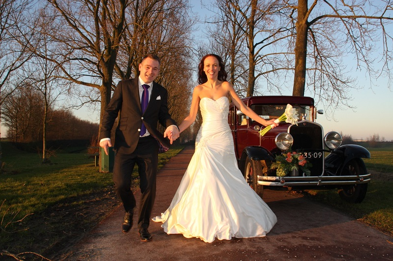Een trouwpak op maat door Tillemans Tailors Hoorn. De specialist in Noord Holland op trouwpakken gebied. Grote Oost 27 Hoorn.