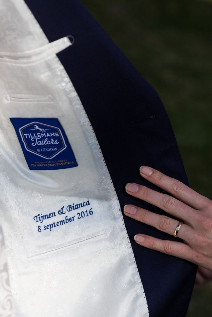 Trouwpak specialist Tillemans Tailors had de eer om dit mooie trouwpak te mogen maken.